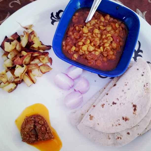 How to make Chatpati chana daal
