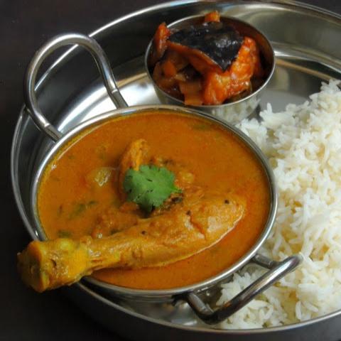 How to make Arachi Vitta Kozhi Kuzhambu/Chicken Gravy with Grounded Masala
