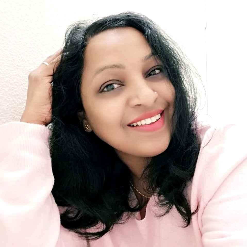 Priya Suresh food blogger