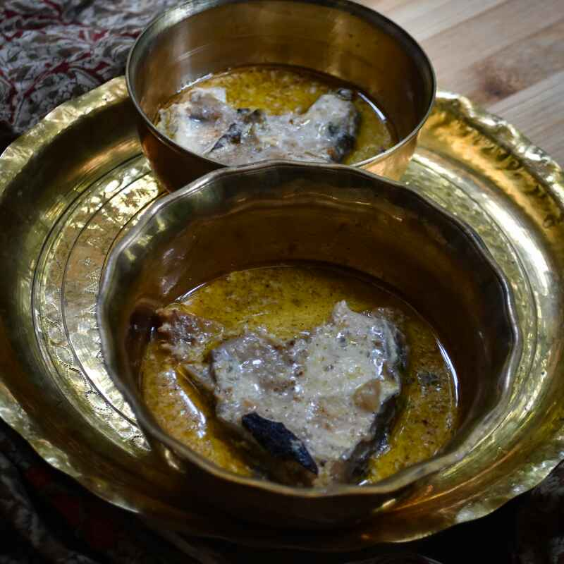 How to make Doodh Katla (Katla fish cooked in a milk gravy)