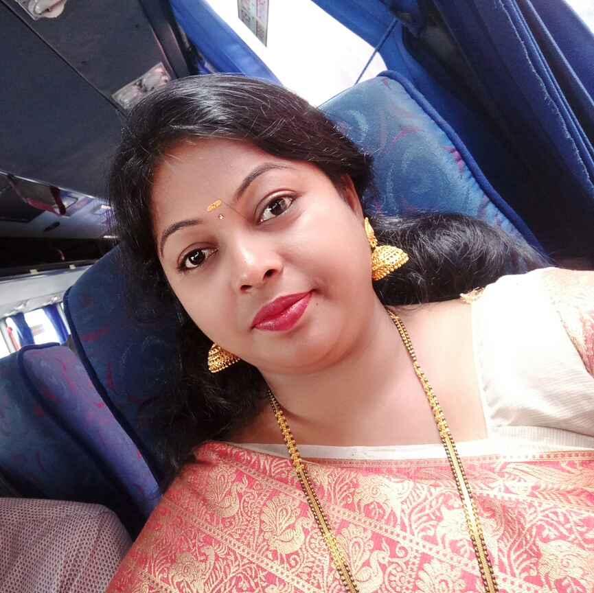 Priyanka Akhade food blogger