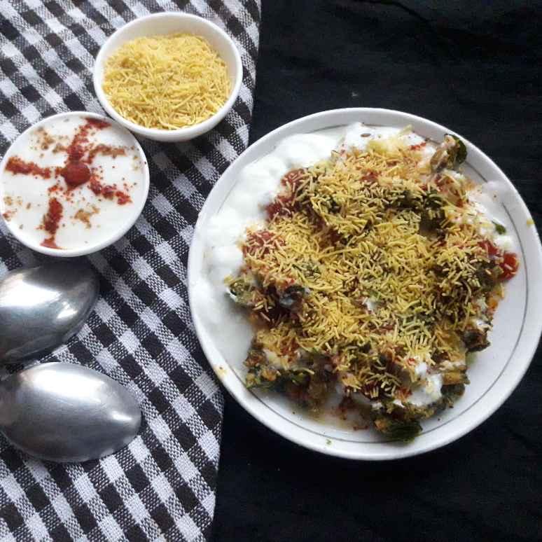 Photo of Palak pakori chat by Uma Purohit at BetterButter