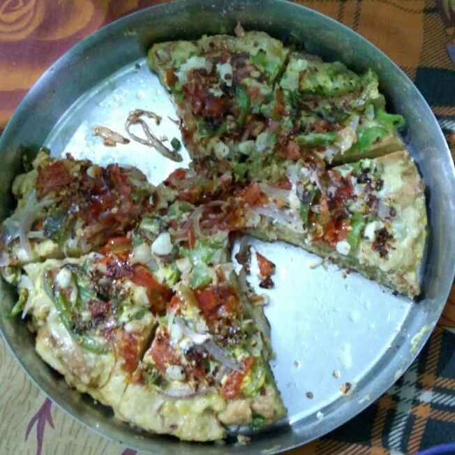 Photo of Egg Pizza by Priyanka Roy Maity at BetterButter