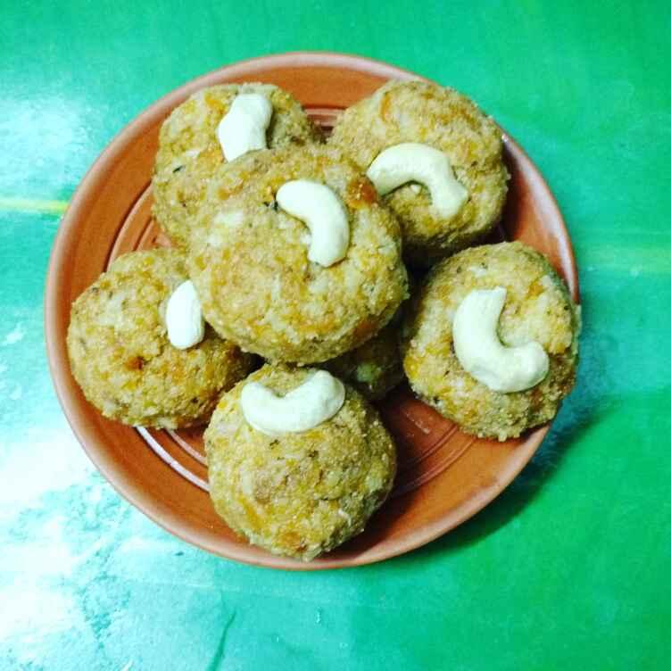 How to make Narkel gajorer laddu.
