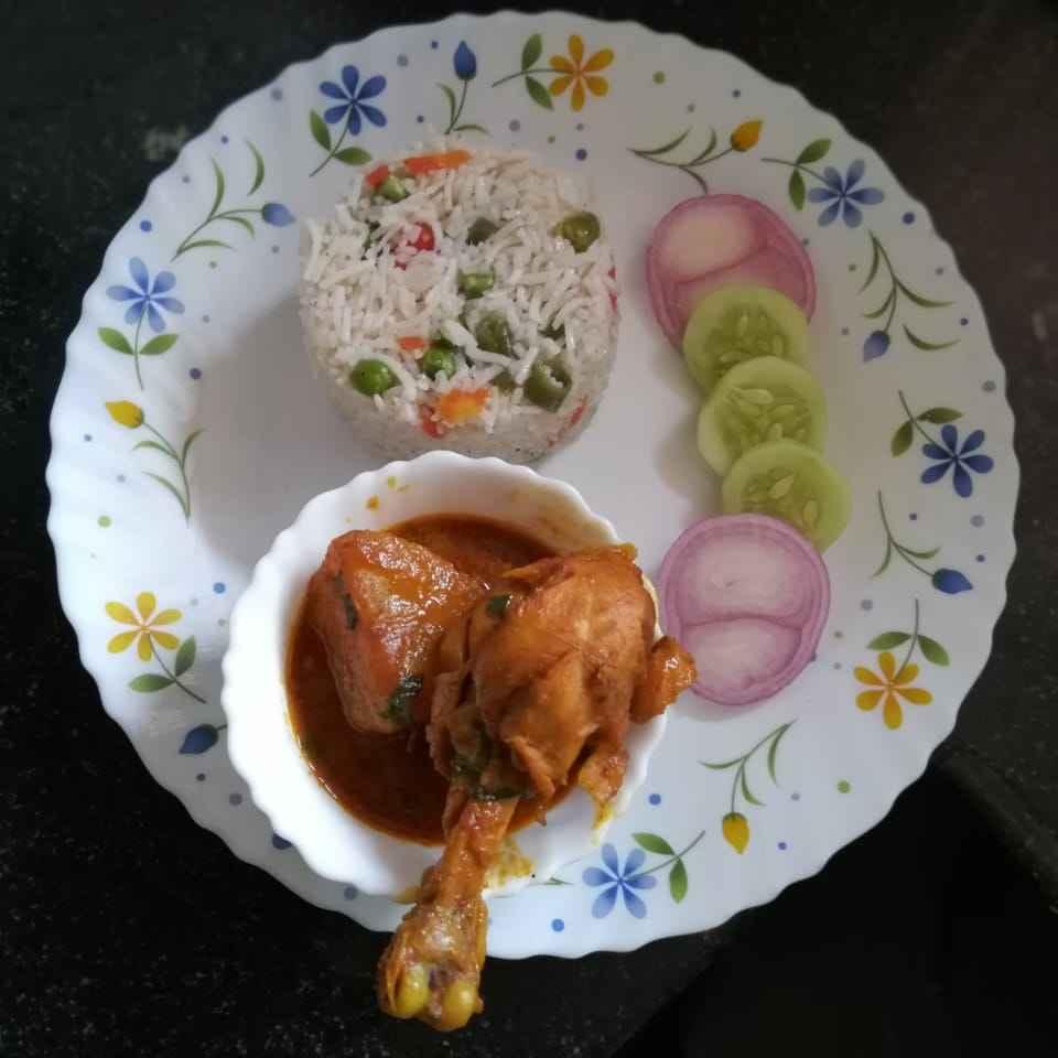 Photo of Bengali style chicken curry by Priyanka Nandi at BetterButter