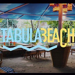 Tabula Beach food blogger