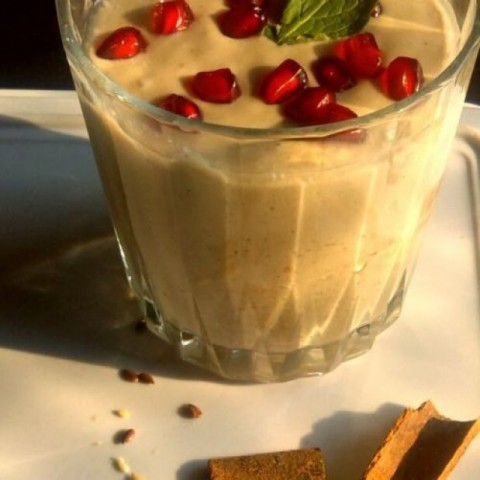 Photo of Healthy, power packed oats smoothie by Shirin Mehrotra at BetterButter