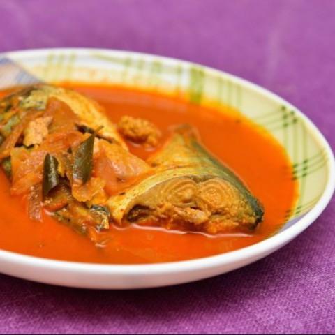 How to make Bengali fish curry
