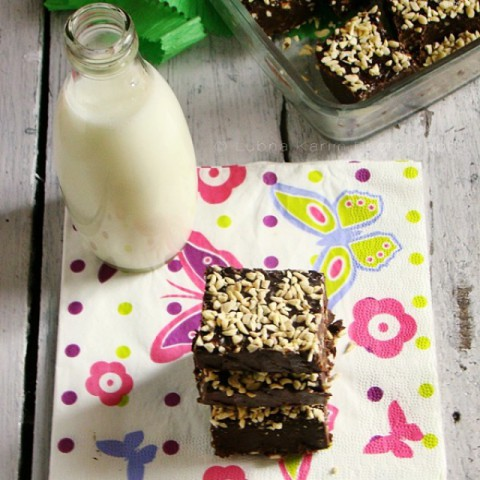 Photo of Butterscotch & Dark Chocolate Chips Fudge by Lubna Karim at BetterButter