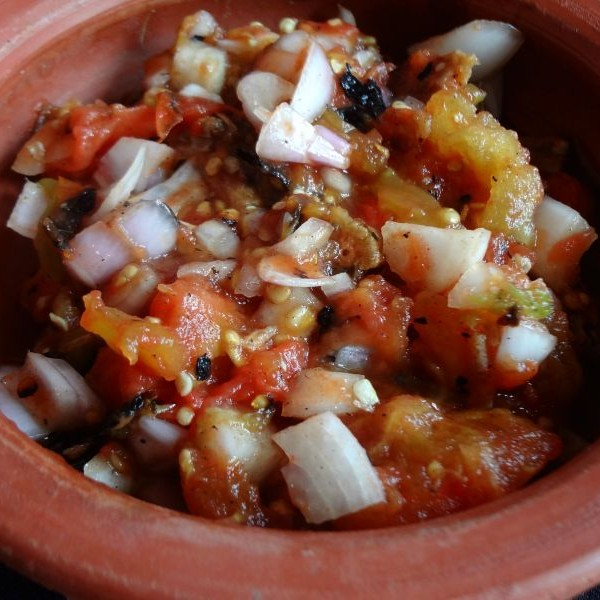 How to make Tomato Pora (Roasted Tomato Salsa with Dried Fish)
