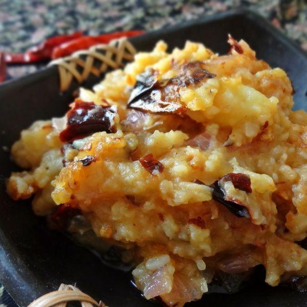 Photo of Alur Chokha (Spicy Mashed Potato) by Raina Talukder at BetterButter