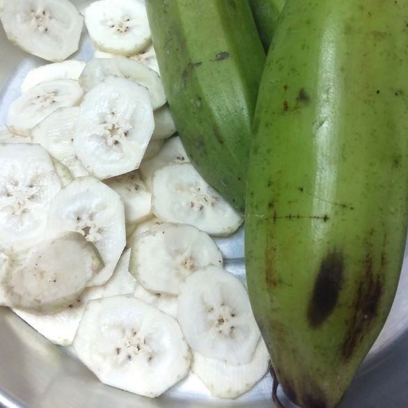 How to make Homemade banana chips