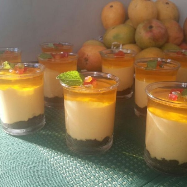 Photo of Eggless Mango Cheesecake with Oreo Crust by Poonam Ankur at BetterButter