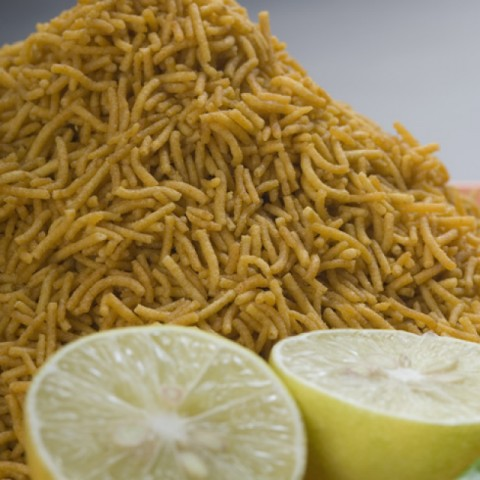 How to make Garlic Besan Sev