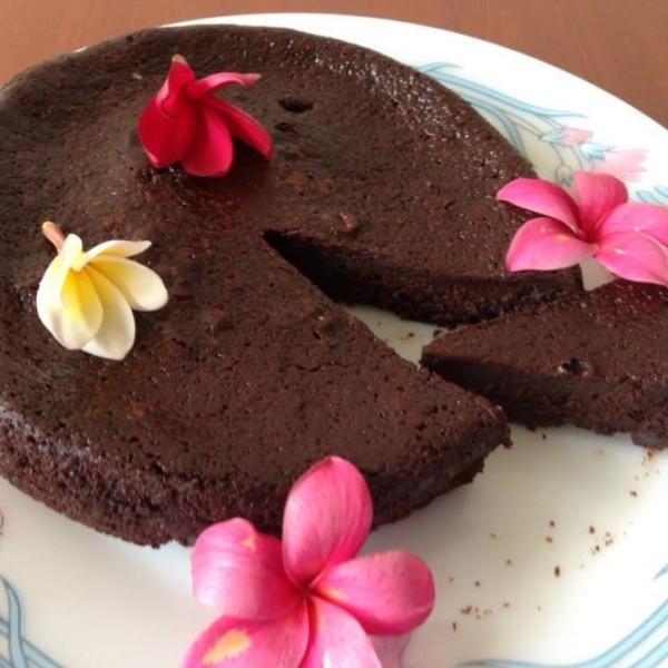 Photo of Simple Flourless Dark Chocolate Cake by Manini Badlani at BetterButter