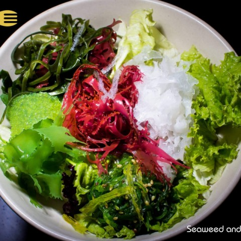 How to make Seaweed and Mesclun salad with Plum Ume dressing