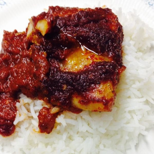 How to make मिर्च सॉस में मछली ।