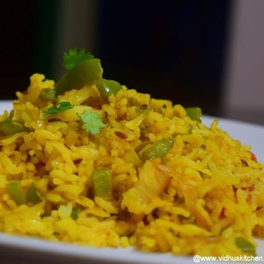 How to make Cabbage and Capsicum Tawa Pulao