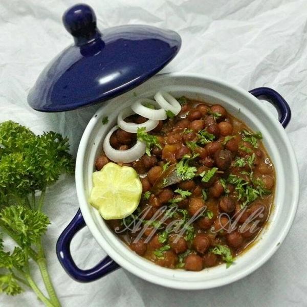 How to make Kabuli Chana Curry