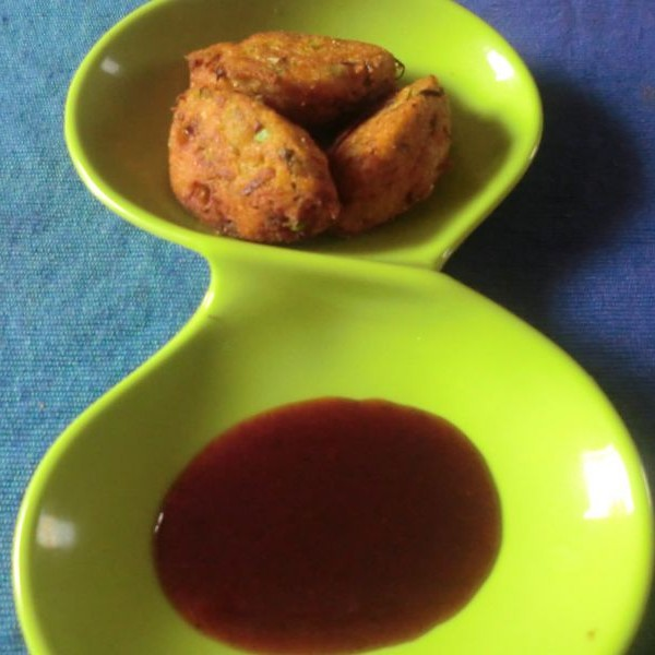 How to make Corn meal and green peas vada