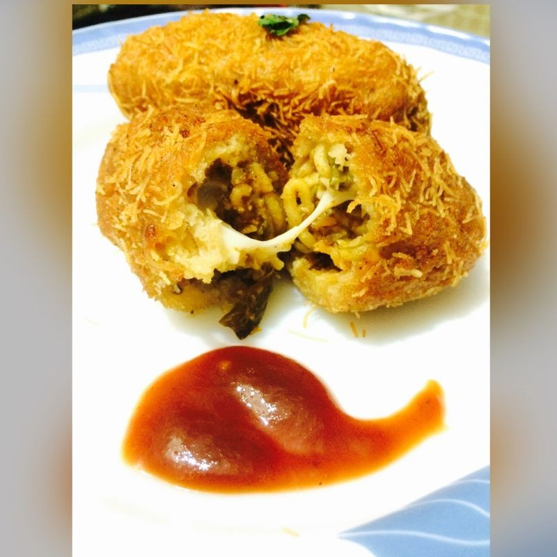 Photo of Crispy Bread rolls stuffed with cheese noodles &veggies by Rina Khanchandani at BetterButter