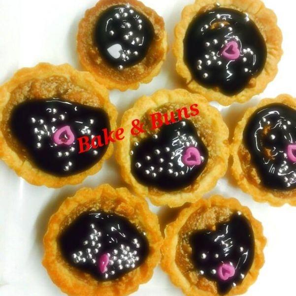 How to make Rich Chocolate Walnut Tarts With Caramel