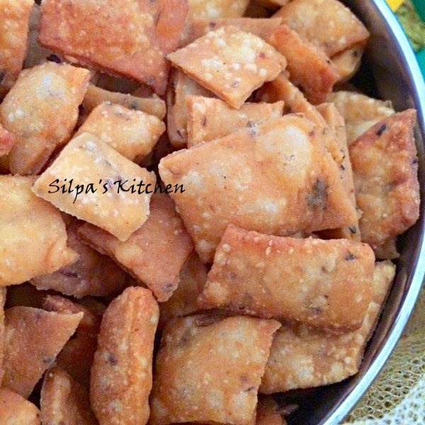 How to make Namak paare