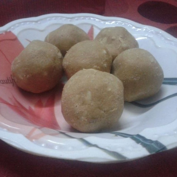 Photo of Atta Laddu - Wheat flour laddu by khushi Gupta at BetterButter