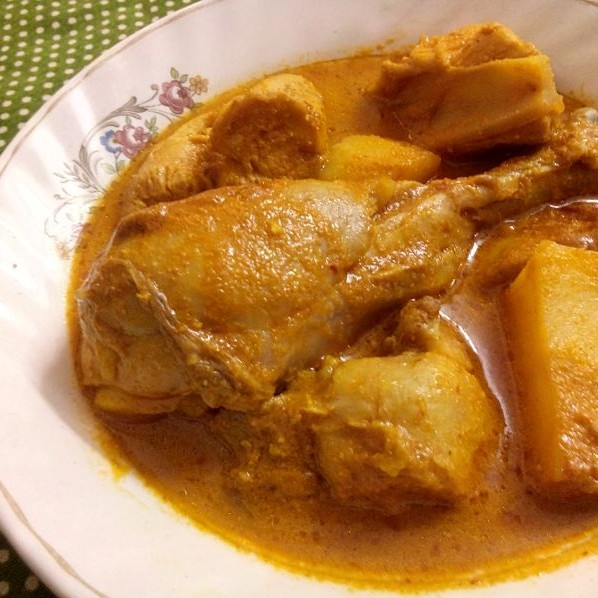 How to make Chicken in Coconut Gravy