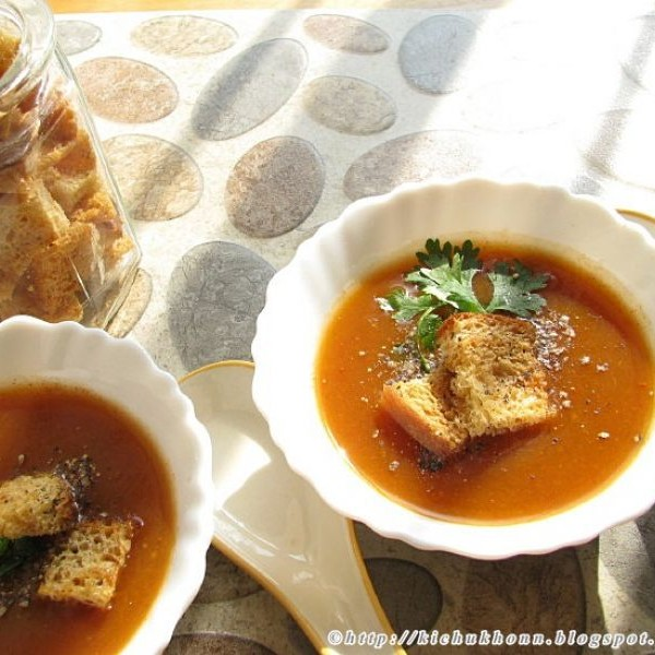 Photo of Tomato and carrot soup by Sharmila Dwivedi at BetterButter