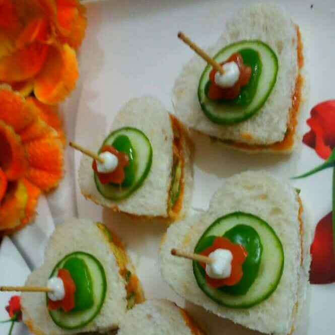 How to make Hung curd sandwiches