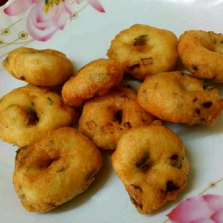 How to make Medu vadai/ ulunthu vadai