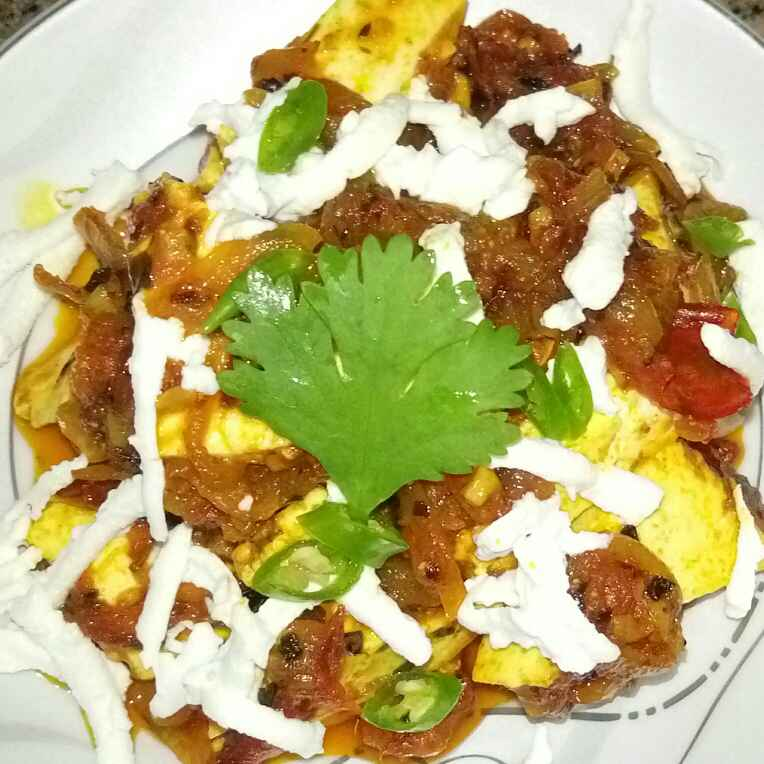 How to make Paneer In Smoked Garlic Masala