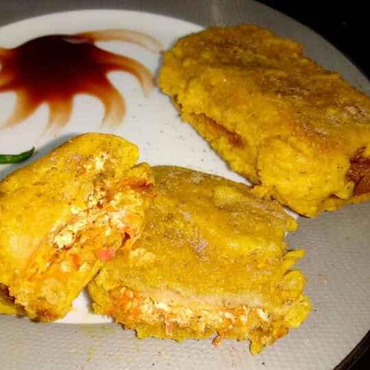 Photo of Dahi gajar ke bread pakore by PRadhika prat panchal at BetterButter