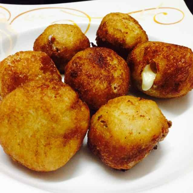 How to make Chicken spicy cheese bread balls