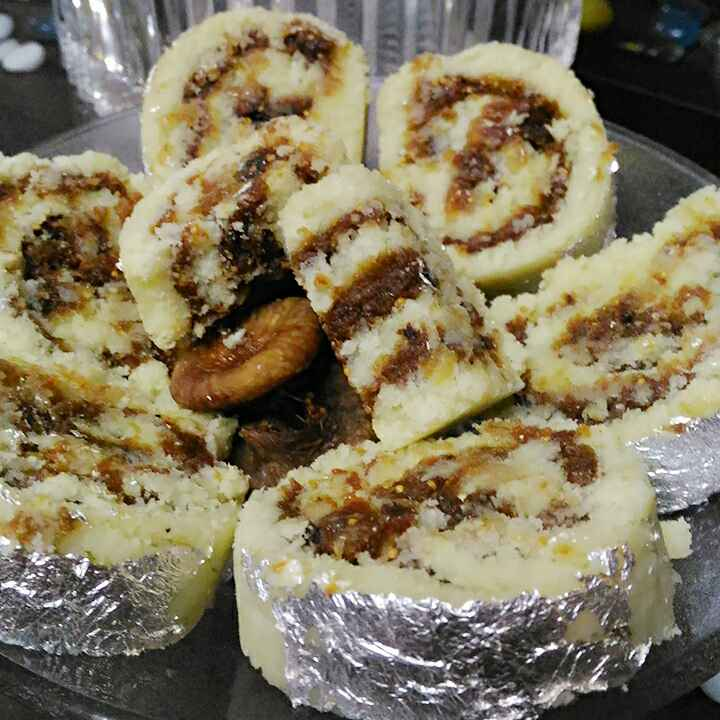 Photo of Anjir khoya roll ( shugar free) by Geeta Verma at BetterButter