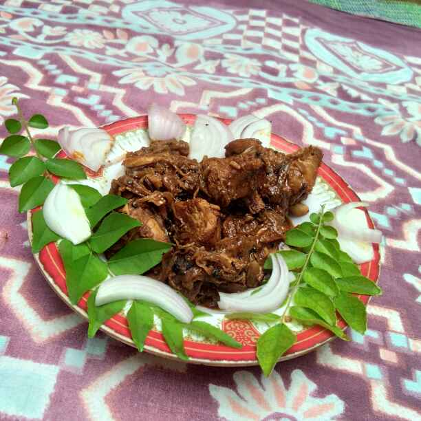 Photo of Chappathi chicken gravi by Rajathi Alagarsamy at BetterButter