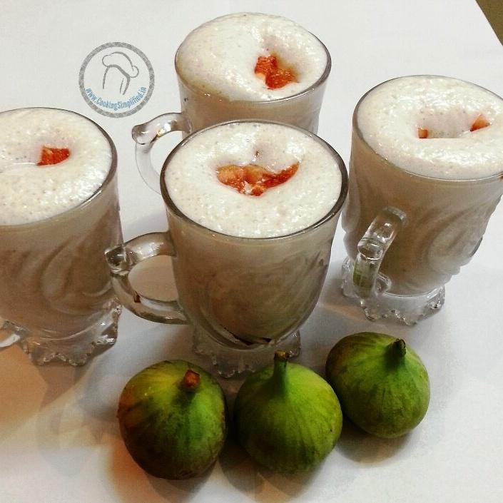 How to make Fresh Fig And Pomegranate Yogurt Smoothie