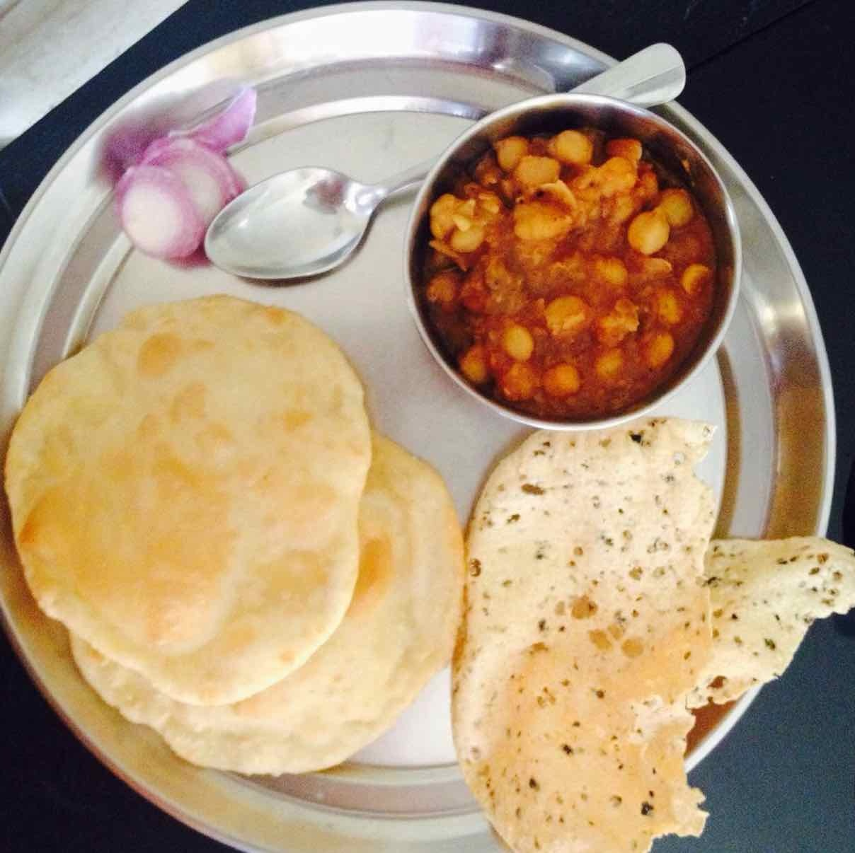 How to make chole bhatoore