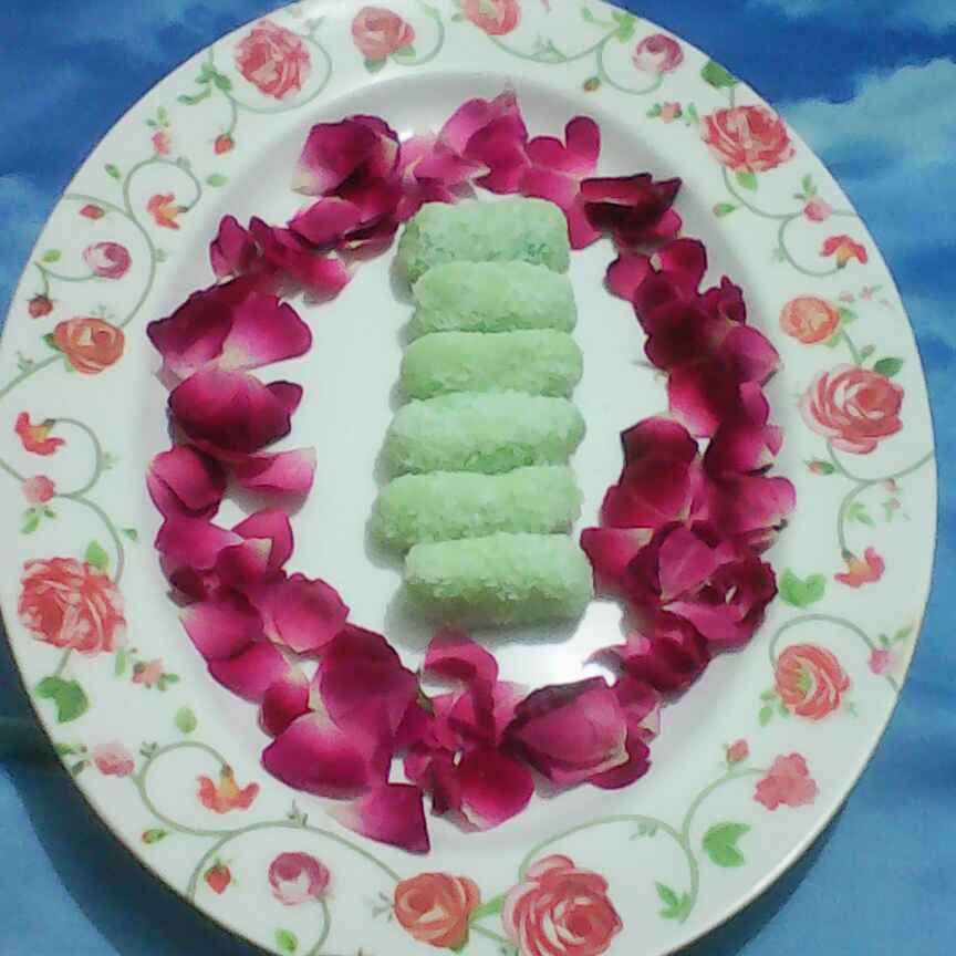 Photo of Coconut Khus roll by Rakhi Abhi Mehrotra at BetterButter
