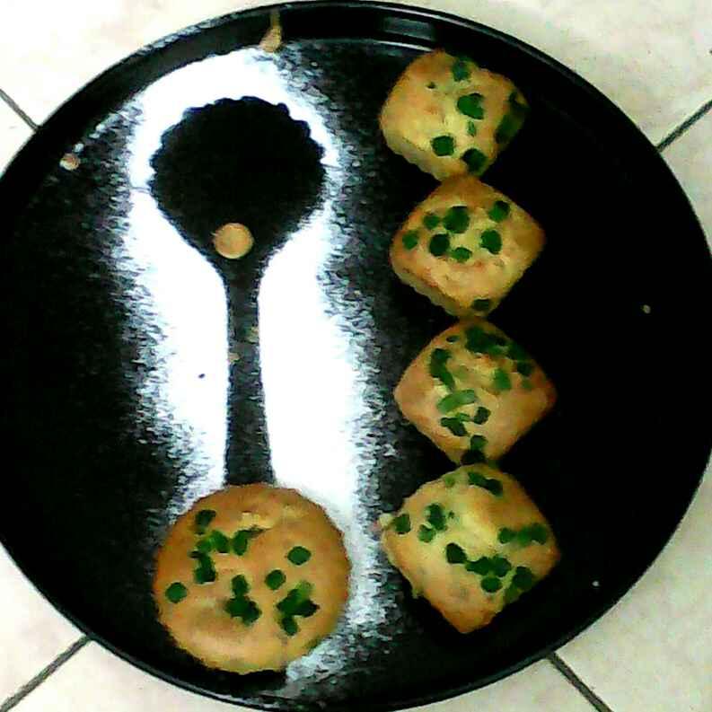 Photo of Banana Walnut Muffins  by Rakhi Mehrotra at BetterButter