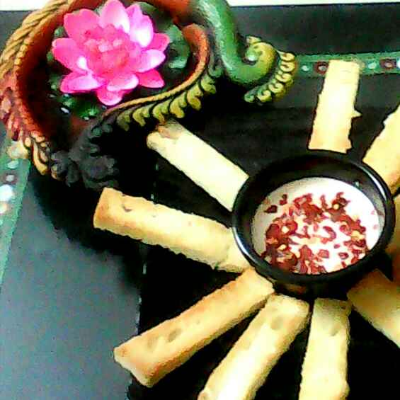 Photo of Garlic Bread Sticks Fondue by Rakhi Abhi Mehrotra at BetterButter