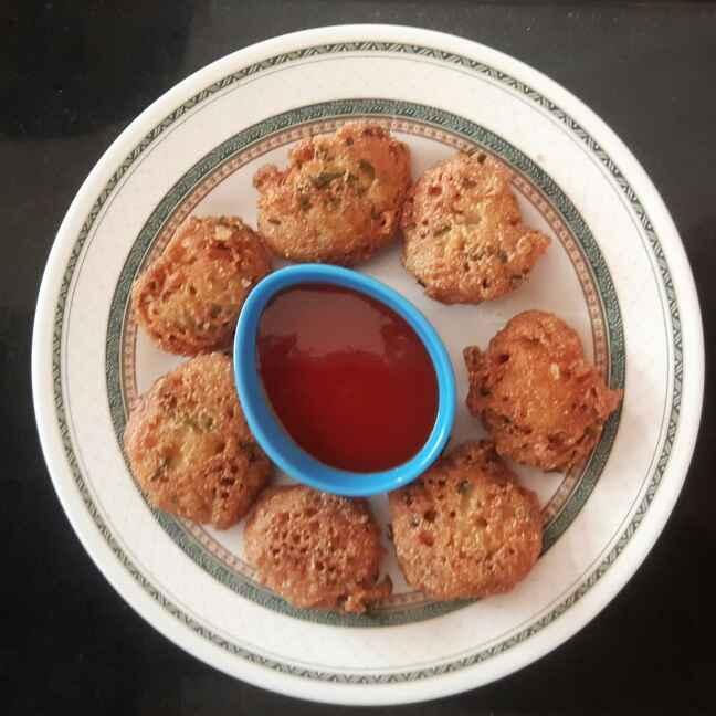 How to make Instant Rava Pakodas
