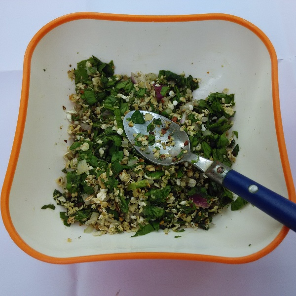 Photo of Chatpata Oats Spinach Salad by Rameshwari Bansod at BetterButter