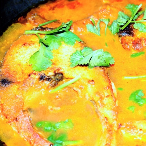 How to make Fish Cooked in Tomato Gravy