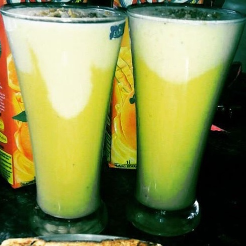 How to make Banana Mango Twist Orange Smoothie