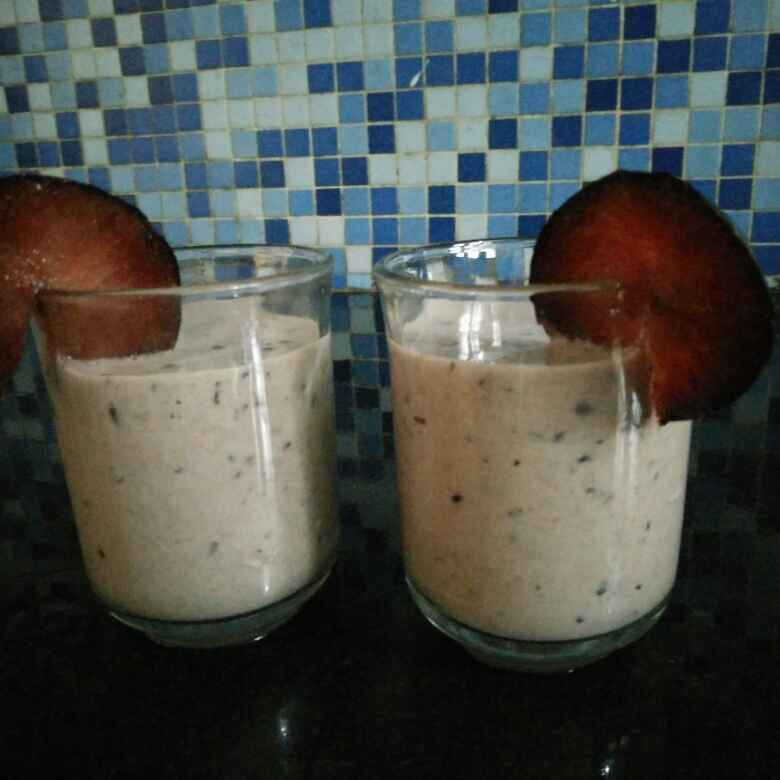 How to make Plum ginger smoothie