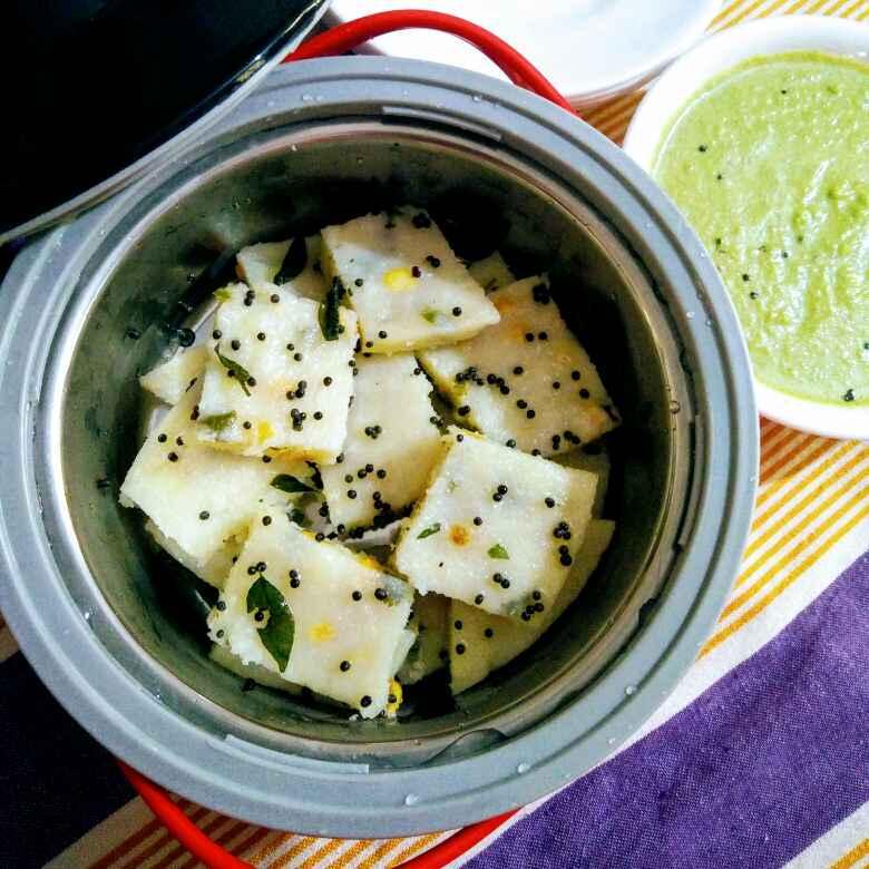 How to make Sooji Dhokla with green chutney