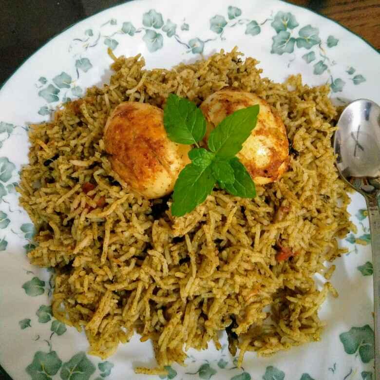How to make Hyderabadi Egg Biryani
