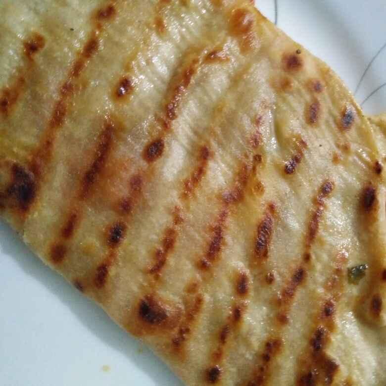 How to make Tomatoe cheese roti Quesadilla